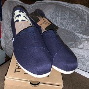 New w/tags TOMS  women